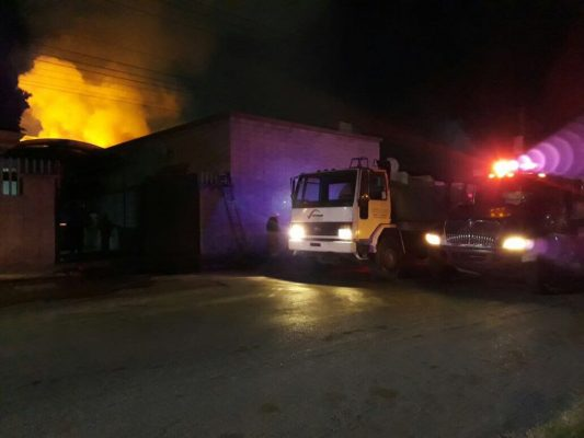 """Se registra incendio en Parque Industrial """"Carlos Herrera"""" en G.P."""