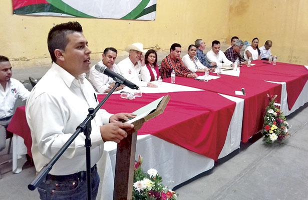 Asume Pedro Mendoza dirigencia del PRI-P.B.