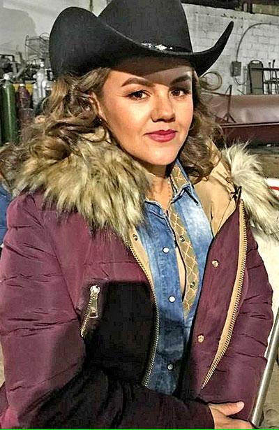 SANTIAGO PAPASQUIARO, Dgo. (OEM).- Alicia Uribe es una bella mujer de perseverancia y familia que sabe disfrutar de las bendiciones de la vida, por lo cual celebró su cumpleaños el 26 de noviembre al lado de familia y amigos.