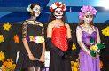 """VILLA UNIÓN, Dgo. (OEM).- Bellas catrinas que ganaron el concurso a la mejor caracterización de las mismas en el festival """"El Fandango de los Muertos""""."""