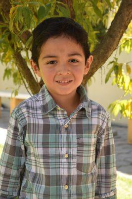CANATLÁN, Dgo. (OEM).- El simpático Hugo Daniel Soto González celebró sus cinco años de feliz vida, acompañado de sus amiguitos del colegio, y sus papás Gisela y Hugo.