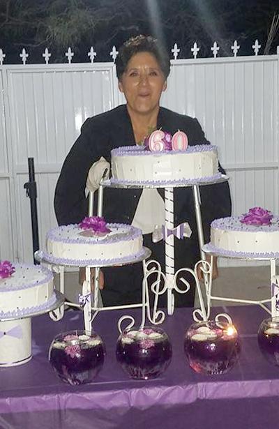 SAN JUAN DEL RÍO, Dgo. (OEM).- Lindo festejo de sus 60 años de la señora Hermelinda Guerrero.