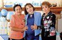 Martha Macías de Sosa, la festejada y la señora Socorro Carrete, las anfitrionas de la linda mañana.
