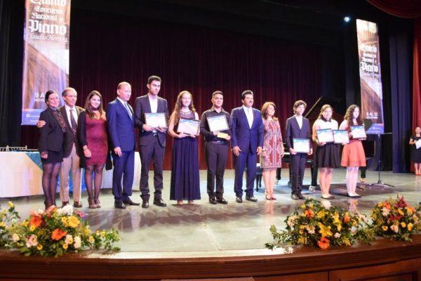 Premian a ganadores del Concurso Nacional de Piano