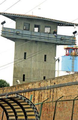 Recluidas en cárceles de Durangose encuentran 2,852 personas
