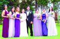 Sus madrinas les estuvieron felicitando en tan memorable ocasión a Sheridan Cristela y Marco Antonio.
