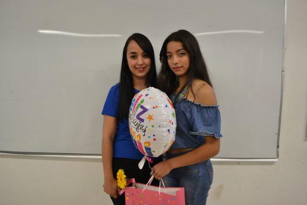 NUEVO IDEAL, Dgo., (OEM).- Zahira Adany Arellano Pitones celebró su cumpleaños y fue festejada por sus compañeros de clase y su tutora Enyola Favela.