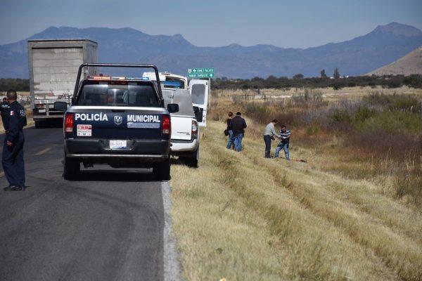 Motociclista se impacta contra camellón y muere