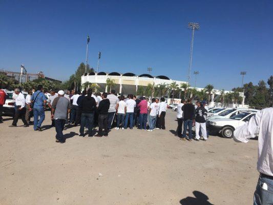 Exigen taxistas destitución de subdirector de Transportes en la Laguna