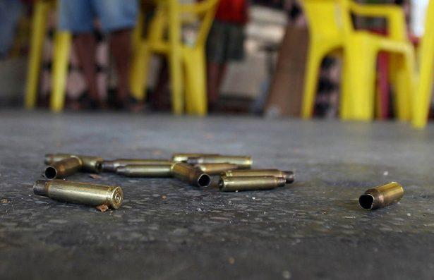 Tiroteo entre policías y menores de edad deja 3 heridos