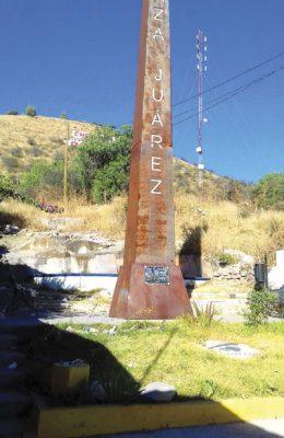 Olvidados, faro y plazoleta del Migrante, en Canatlán