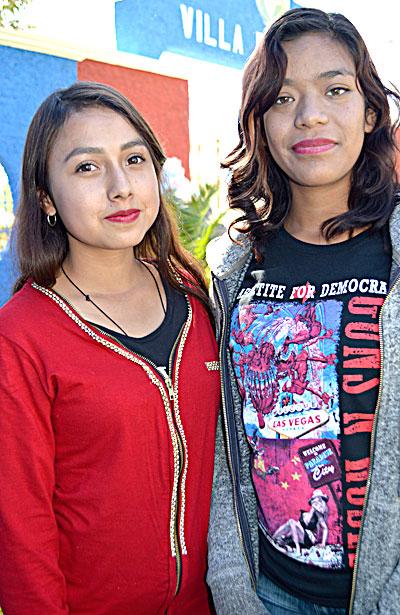 NUEVO IDEAL, Dgo. (OEM).- Cinthia Berenice Chávez González y Rosa María de la Cruz Mata, jovencitas que el día de hoy nos regalan su bella y juvenil presencia.