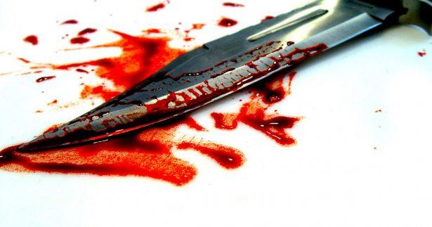Resbaló y se ensartó cuchillo en el abdomen