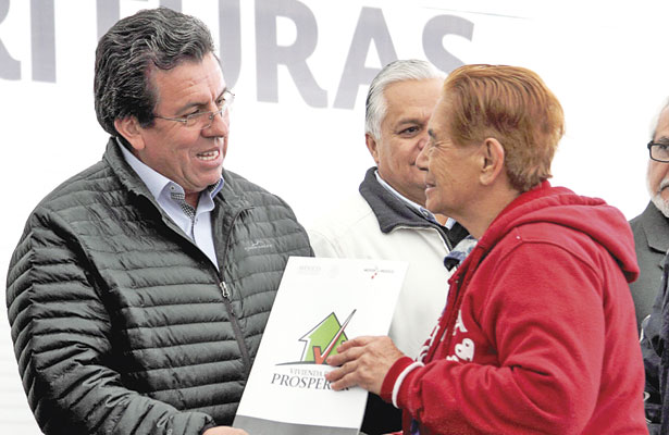 Certeza patrimonial para mil familiasduranguenses: Ricardo López Pescador