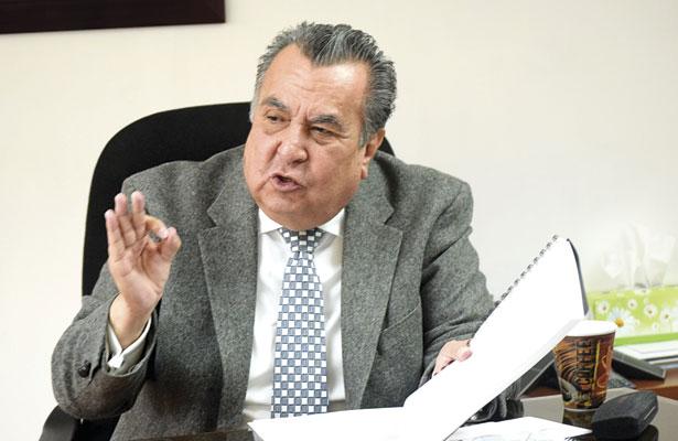 Se pronuncia Rubén Calderón por devolver la autoridad del aula a los maestros