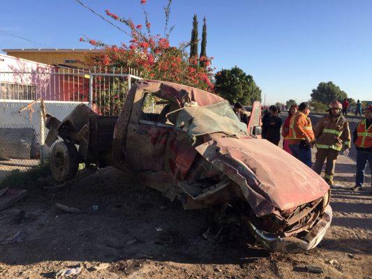 Tren impacta vehículo en Gómez Palacio