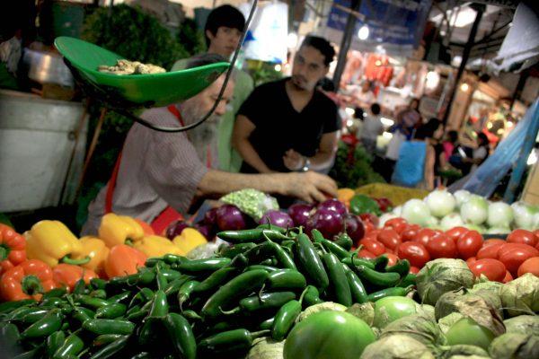 No hay aumentos excesivos en alimentos en Durango: Madrazo