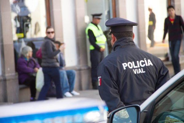Protestan elementos de laDMSP contra Cecilia Soto