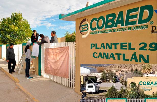 Alumnos mantienen tomado el Cobaed 29 de Canatlán
