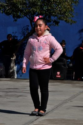 CANATLÁN, Dgo. (OEM).- Aileen Reyes Valenzuela se hace presente en el espacio social, como candidata a reina de la Escuela Primaria Gral. Lázaro Cárdenas.