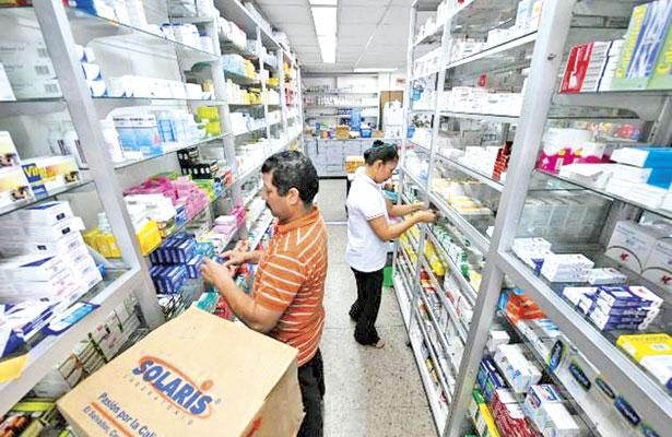 Reabastece SS medicinas en farmacias de clínicas