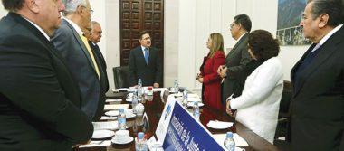 El gobernador, José Rosas Aispuro Torres, tomó protesta a la Comisión Comisión Ejecutiva Estatal de Atención a Víctimas.