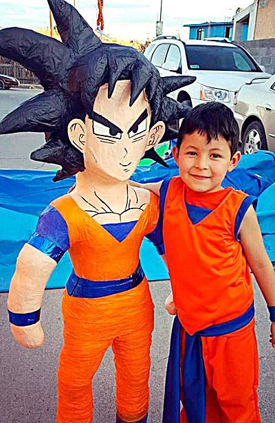 SANTIAGO PAPASQUIARO, Dgo. (OEM).- El pequeño Rafael A. Ortiz Salas, festejó su cumpleaños número seis, con una divertida fiesta.
