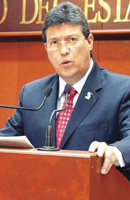 Convoca Uribe a la unidad en el PRI