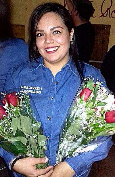 SANTIAGO PAPASQUIARO, Dgo. (OEM).- Yadira Mejorado Rodríguez es una bella mujer de perseverancia y de familia.