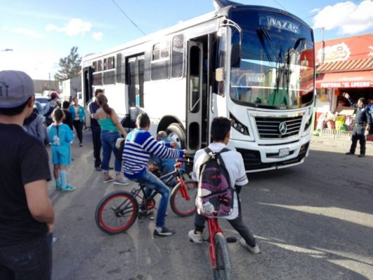 Camion de la ruta Nazas arrolla a peatón