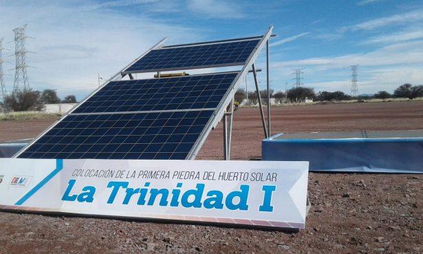"Ponen la primera piedra del huerto solar ""La Trinidad I"""