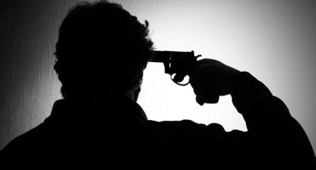 De un tiro en la cabeza, hombre se quita la vida