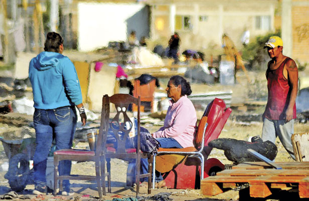 Familias abandonan terreno invadido en el fraccionamiento Milenio 450