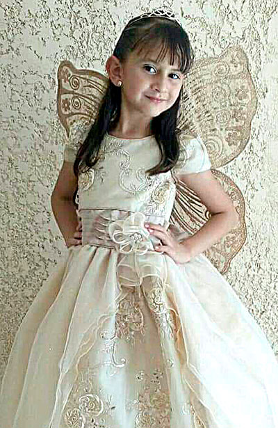 NUEVO IDEAL, Dgo. (OEM).- Gloria Emilet Alvarado Gutiérrez festejó sus seis años de vida al lado de su bonita familia.