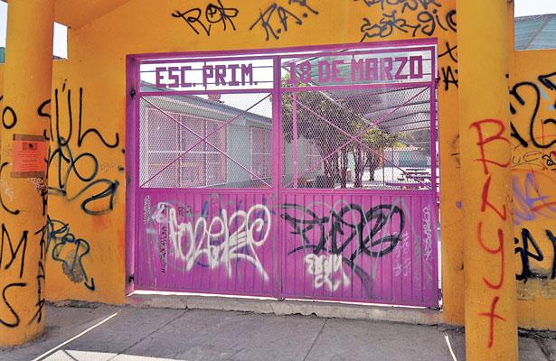Roban y vandalizan 3 jardines de niños
