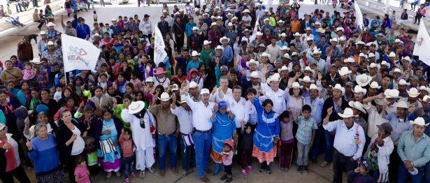 Exponen propuestas ante indígenas los candidatos al Senado por el PRI