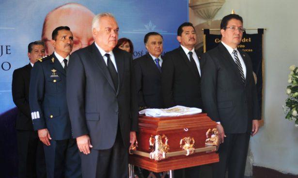 UJED realiza homenaje póstumo a José Guadalupe Romo Walkup