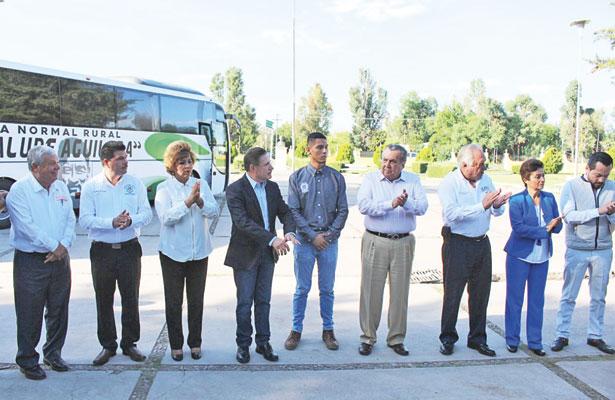 Benefició gobernador a Normal Rural Aguilera