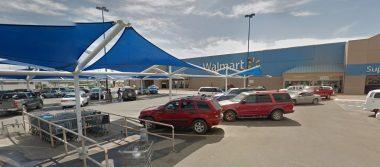 Hallan hombre sin vida en Walmart