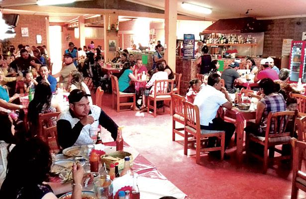 No es rentable para restauranteros instalarse en la FENADU