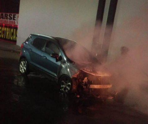 Falleció el hombre que se quemó junto con camioneta