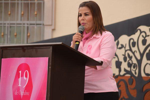 Hacer conciencia, es la mejor arma para combatir el cáncer de mama: Verónica González Olguín