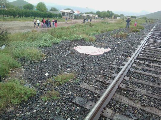 Tren lo arrolla y arrastra su cuerpo 30 metros