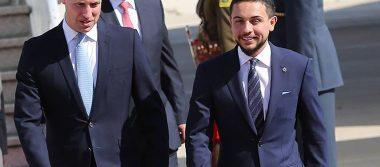 El príncipe William llega a Jordania para su gira por Medio Oriente
