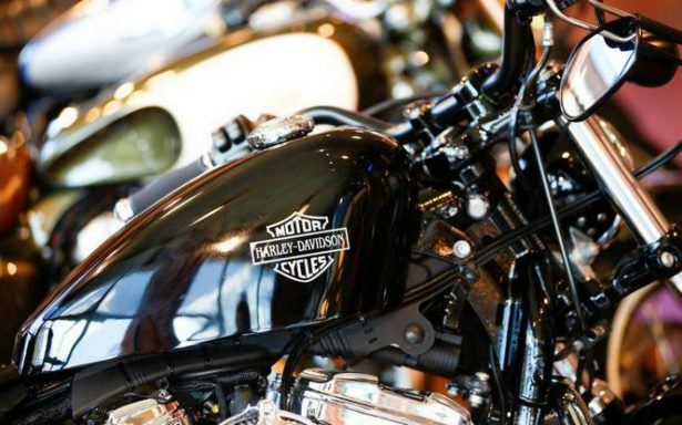 Harley-Davidson trasladará parte de su producción fuera de EU por aranceles