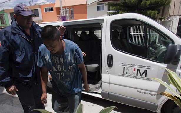 Alerta CNDH por revisiones ilegales a migrantes adolescentes