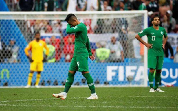 Video: Avión con jugadores de la selección de Arabia Saudí se incendia en el aire
