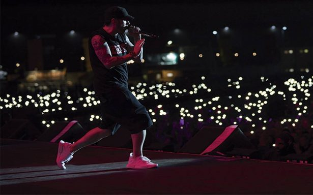 Eminem presenta su nuevo sencillo titulado Walk on water