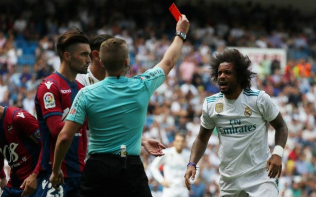 Marcelo, castigado dos partidos por dar patada en el Real Madrid-Levante