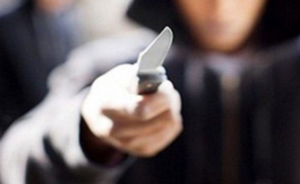 Apuñalan a mujer durante asalto en negocio en Veracruz